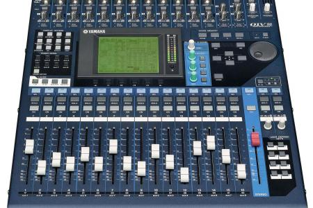 CONSOLE YAMAHA 01V96 en flight
