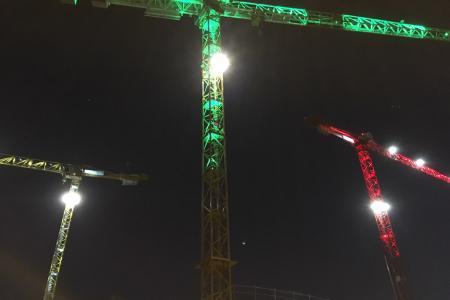 Illuminations de Noël 2017 - Mise en place d'éclairage sur 3 grues du centre ville de Rennes