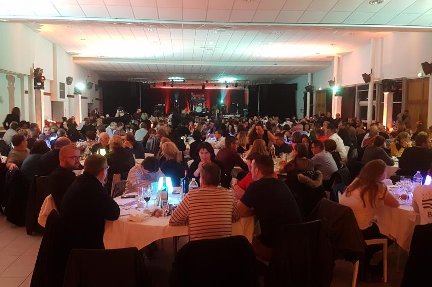 Diner Spectacle - Salle Ille et Donac à Tinténiac